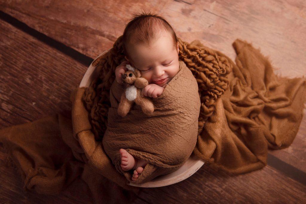 Photographe studio de naissance bébé beaujolais lyon villefranche sur saône